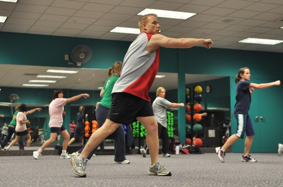 Comment peut on justifier aujourd'hui l'engouement autour du fitness ?