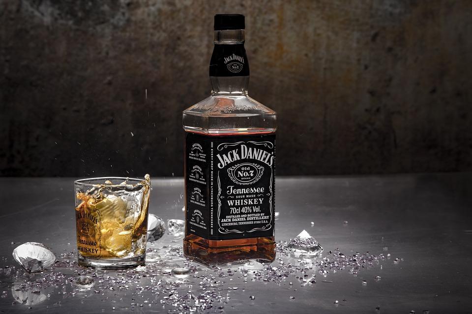 Quelle nécessité de consommer du whisky dans un verre approprié?
