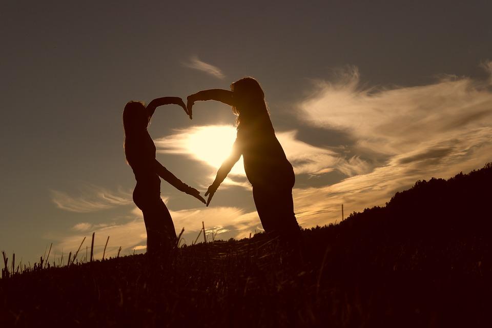 Que signifie vraiment offrir son amour ou son amitié ?